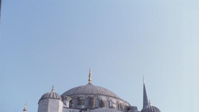 cu, td, turkey, istanbul, yeni mosque - yeni cami mosque stock videos & royalty-free footage