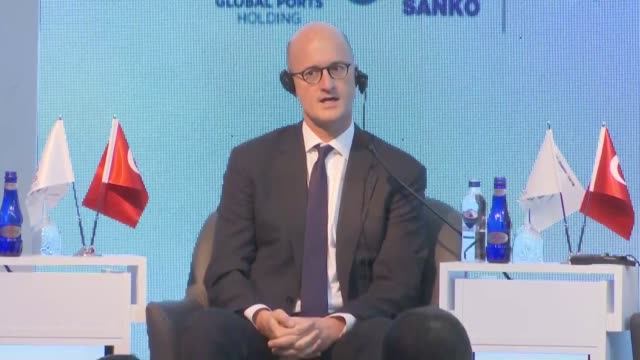 turkey should diversify its export markets and work on stable economic growth domestically said speakers at a major economic conference in turkey on... - 中央銀行点の映像素材/bロール