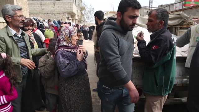 turkey's humanitarian relief foundation on wednesday delivered food to civilians in syria's northwestern afrin district.as part of operation olive... - charity and relief work stock videos & royalty-free footage