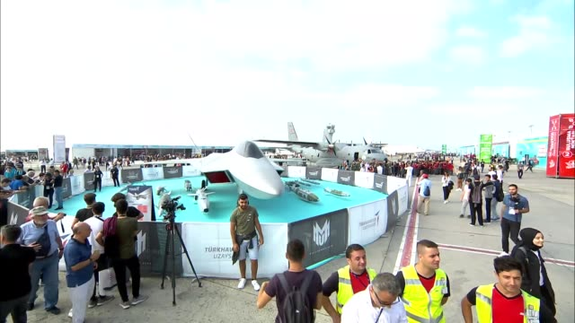 vidéos et rushes de turkey's largest aerospace and technology event teknofest started in istanbul on tuesday istanbul ataturk airport hosts the sixday festival jointly... - industrie aérospatiale