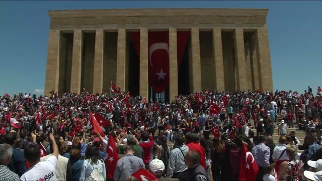 Turkey's main opposition Republican People's Party leader Kemal Kilicdaroglu and CHP youth branch members visit Anitkabir the mausoleum of Turkey's...
