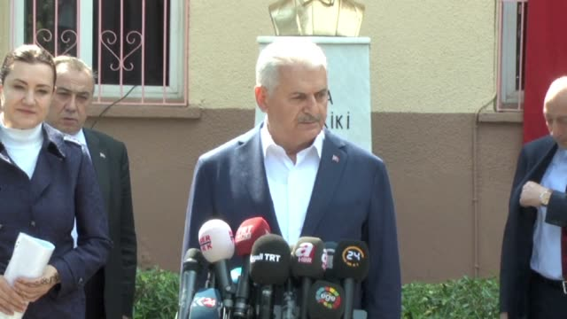 turkey's prime minister binali yildirim says he is confident the country will make the most beautiful decision in a referendum on expanding the... - türkischer premierminister stock-videos und b-roll-filmmaterial