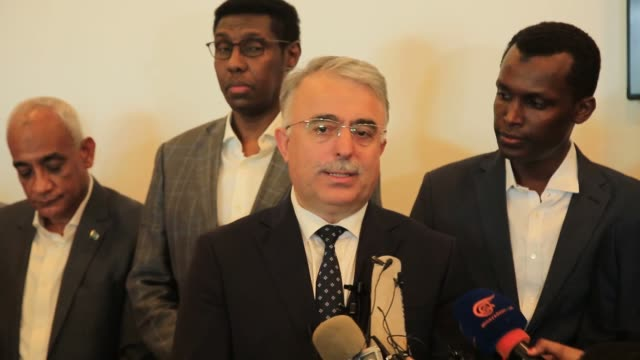 turkish ambassador to mogadishu mehmet yilmaz speaks to the media in wake of terror attack in somalia and after members of national medical rescue... - horn von afrika stock-videos und b-roll-filmmaterial