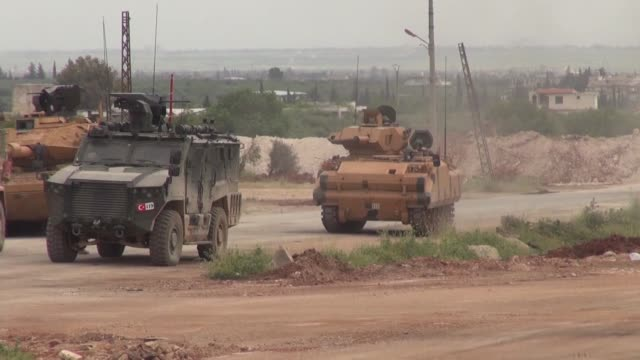 vídeos de stock e filmes b-roll de turkish and russian military forces have carried out another joint patrol along a key highway in northwestern syria on april 21, 2020.fifth combined... - 12 15 meses