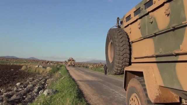 stockvideo's en b-roll-footage met turkish army continues its military shipment to hatay province, as part of the 'operation olive branch' launched in syria's afrin, on march 09,... - isis