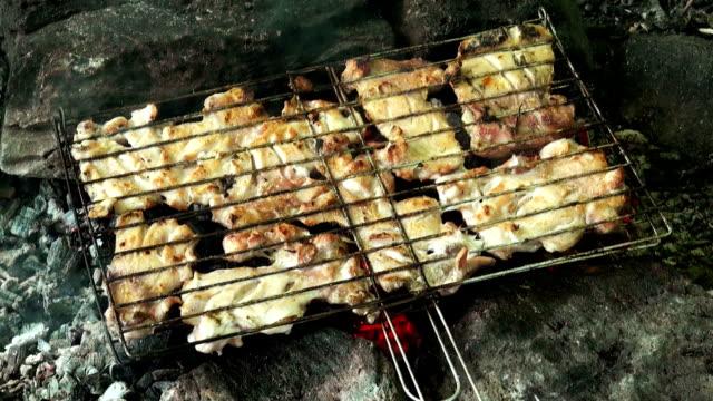 barbecue turco - pollo ai ferri video stock e b–roll