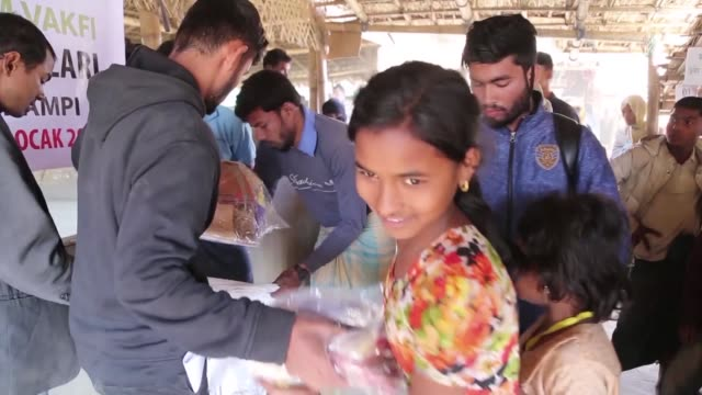 cox's bazaar bangladesh january 31 a turkish charity distributed blankets pullovers and scarves to 30000 rohingya in bangladesh the aid group said in... - cox's bazaar stock videos and b-roll footage