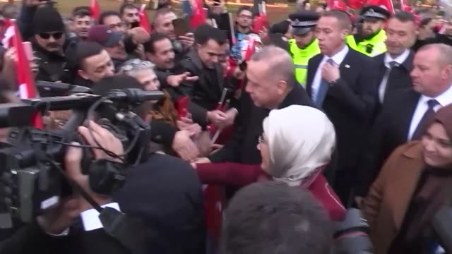 turkish citizens living in london cheer for turkish president recep tayyip erdogan in front of hotel where erdogan will stay on december 03 2019 in... - horizontal stock videos & royalty-free footage