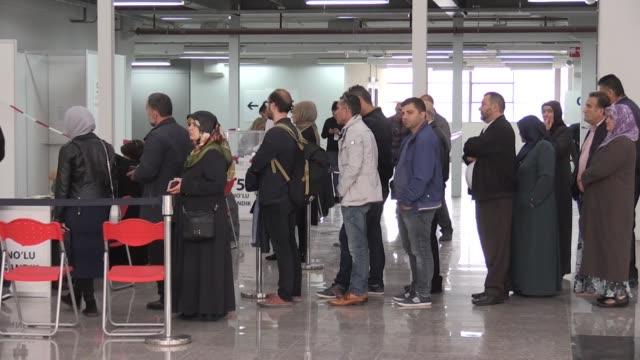 turkish citizens living in netherlands cast their ballots for turkey's presidential and general elections in the hauge netherlands on june 15 2018 - valurna bildbanksvideor och videomaterial från bakom kulisserna