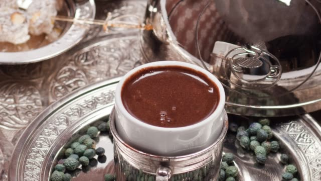 stockvideo's en b-roll-footage met turkse koffie op een wit - turks fruit