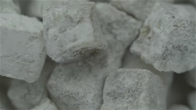 stockvideo's en b-roll-footage met turks fruit roteren - turks fruit