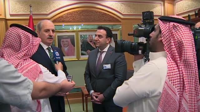 vídeos de stock, filmes e b-roll de turkish deputy prime minister numan kurtulmus speaks to al-ekhbariya, official tv channel of the kingdom of saudi arabia in cidde, saudi arabia on... - jiddah
