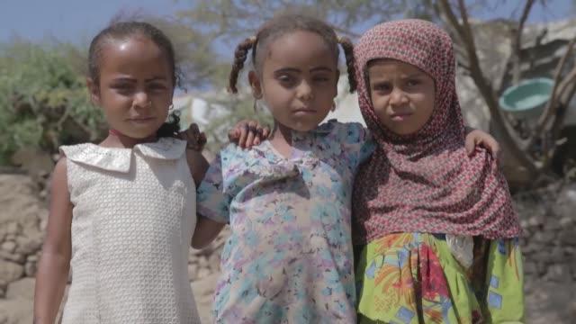 turkish diyanet foundation distributes humanitarian aid packages to 120 families at al-qadaha camp in yemen's taiz on december 13, 2018. diyanet... - yemen stock videos & royalty-free footage