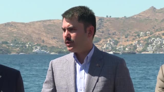 turkish environment and urbanization minister murat kurum speaks to the media during ongoing efforts to contain forest fires o august 20 2019 in... - mugla province stock videos and b-roll footage