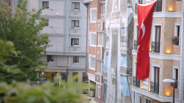 vidéos et rushes de turkish flag, istanbul, turkey - drapeau turc