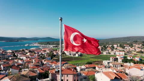 vídeos y material grabado en eventos de stock de 4k bandera turca - grecia europa del sur