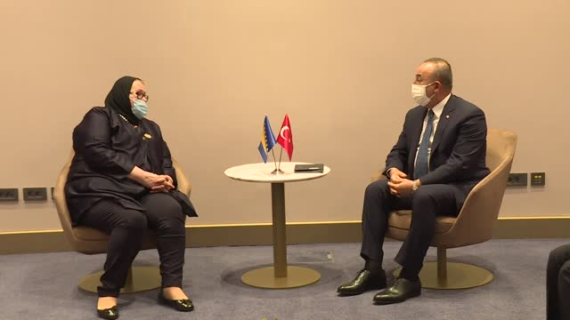 turkish foreign affairs minister mevlut cavusoglu meets with his bosnian counterpart bisera ​​​​turkovic on the sidelines of the 47th session of... - ニアメ点の映像素材/bロール