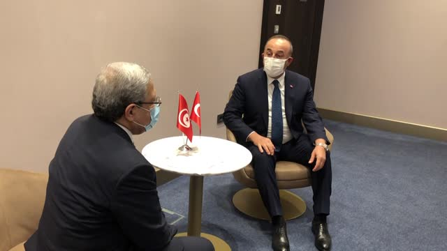 turkish foreign affairs minister mevlut cavusoglu meets with tunisian minister of foreign affairs, migration and tunisians abroad othman jerandi... - ニアメ点の映像素材/bロール