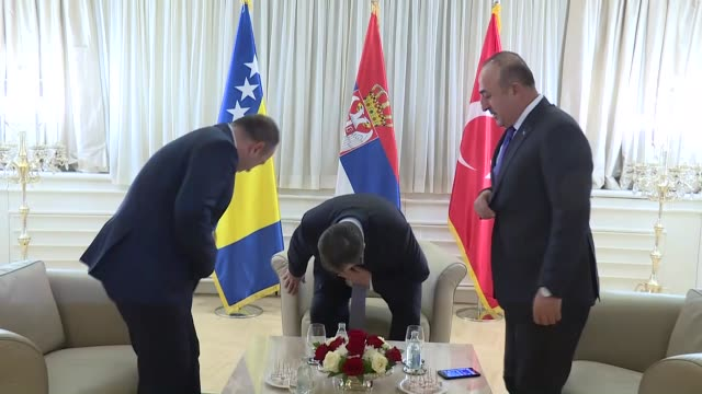 turkish foreign minister mevlut cavusoglu minister of foreign affairs of bosnia and herzegovina igor crnadak and serbia's minister of foreign affairs... - 大臣点の映像素材/bロール