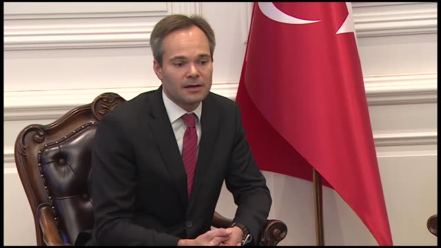 stockvideo's en b-roll-footage met turkish interior minister suleyman soylu holds a joint press conference with his finnish counterpart kai mykkanen in ankara turkey on october 02 2018 - politics and government