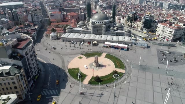 turkish metropolitan istanbul, one of the most crowded cities in the world saw unusual scenes with almost empty streets, squares and historical... - トルコ点の映像素材/bロール