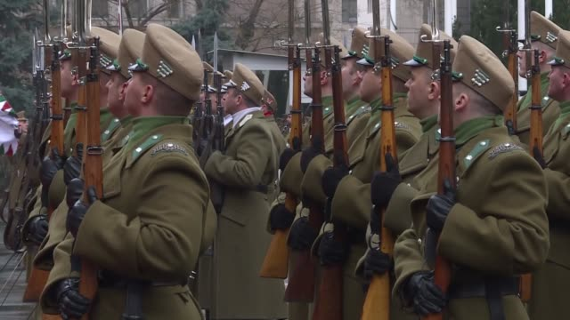 vidéos et rushes de turkish national defense minister nurettin canikli meets with his hungarian counterpart istvan simicsko in budapest, hungary on march 08, 2018. - culture hongroise
