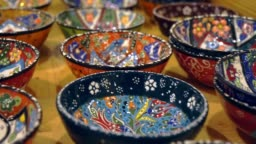Turkish painting pottery in market