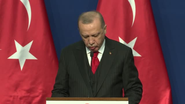 vídeos y material grabado en eventos de stock de turkish president recep tayyip erdogan and hungarian prime minister victor orban hold joint press conference in budaprest, hungary on november 07,... - cultura húngara