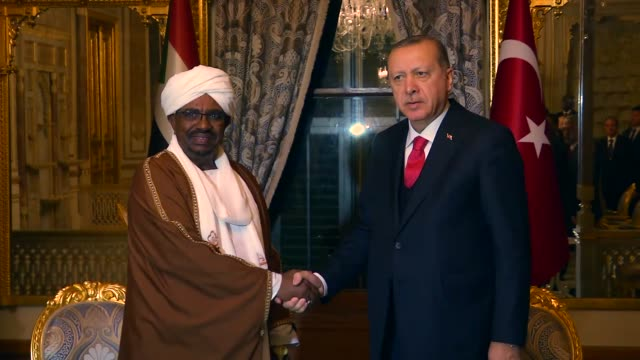 Turkish President Recep Tayyip Erdogan and Sudanese President Omar alBashir hold a meeting on the sidelines of the extraordinary summit of the...