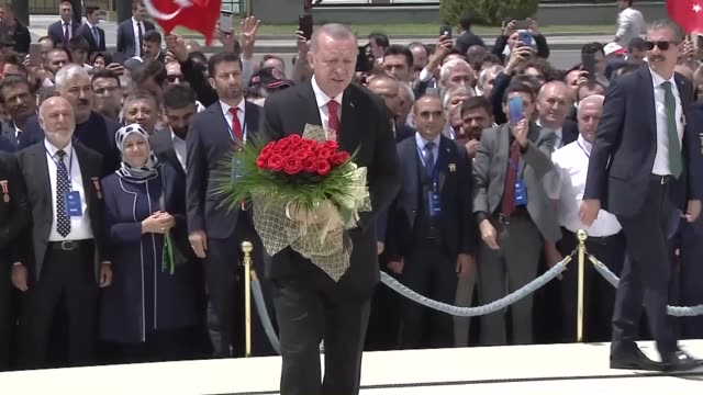 stockvideo's en b-roll-footage met turkish president recep tayyip erdogan attends a wreathlaying ceremony at the july 15 martyrs' monument on the occasion of the third anniversary of... - staatsgreep