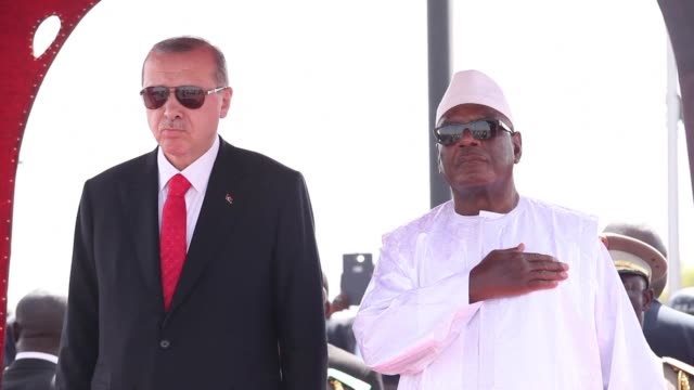 turkish president recep tayyip erdogan concludes his tour of african countries with a few hours in mali - recep tayyip erdoğan stock videos & royalty-free footage