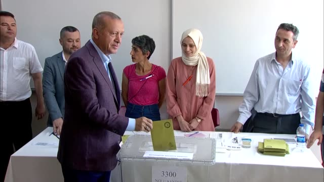 turkish president recep tayyip erdogan firts lady emine erdogan treasury and finance minister berat albayrak and his wife esra albayrak cast their... - bürgermeister stock-videos und b-roll-filmmaterial