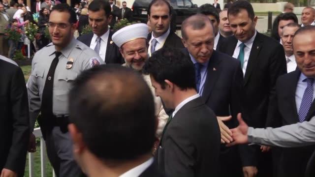 turkish president recep tayyip erdogan his wife emine erdogan and turkey's head of religious affairs mehmet gormez attend the inauguration of the... - moschea video stock e b–roll