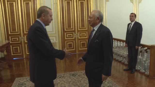 stockvideo's en b-roll-footage met turkish president recep tayyip erdogan meets with malaysian prime minister najib razak at mabeyn palace in istanbul turkey on april 13 2016 - minister president