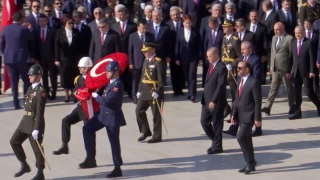 vidéos et rushes de turkish president recep tayyip erdogan, parliament speaker mustafa sentop, vice president fuat oktay, cabinet ministers, main opposition republican... - cérémonie