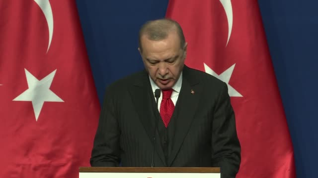 vídeos y material grabado en eventos de stock de turkish president recep tayyip erdogan speaks during a joint press conference with hungarian prime minister victor orban after signing ceremony of... - cultura húngara