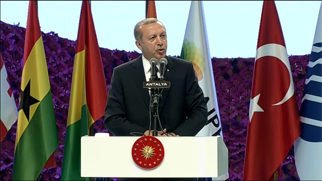 turkish president recep tayyip erdogan speaks during the opening ceremony of expo 2016 gardening show in antalya, turkey on april 22, 2016. - aprile video stock e b–roll
