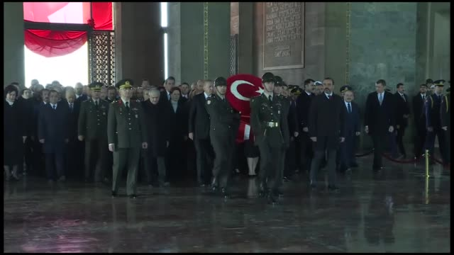 vídeos de stock, filmes e b-roll de turkish president recep tayyip erdogan visits the anitkabir mausoleum of the founder of turkish republic mustafa kemal ataturk during the 80th... - mausoleum
