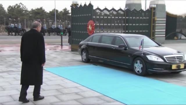 turkish president recep tayyip erdogan welcomes president of azerbaijan ilham aliyev with an official welcoming ceremony at turkey's presidential... - ankara stock-videos und b-roll-filmmaterial