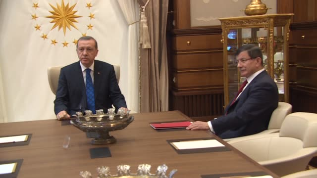turkish prime minister ahmet davutoglu meets with president recep tayyip erdogan at the presidential palace to submit a list of interim cabinet... - türkischer premierminister stock-videos und b-roll-filmmaterial