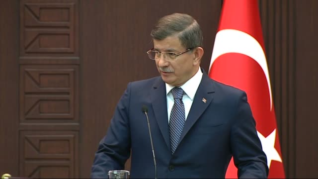 vídeos de stock e filmes b-roll de turkish prime minister ahmet davutoglu speaks during a joint press conference with northern cyprus turkish republic prime minister omer soyer... - crise de migrantes europeia 2015 2016