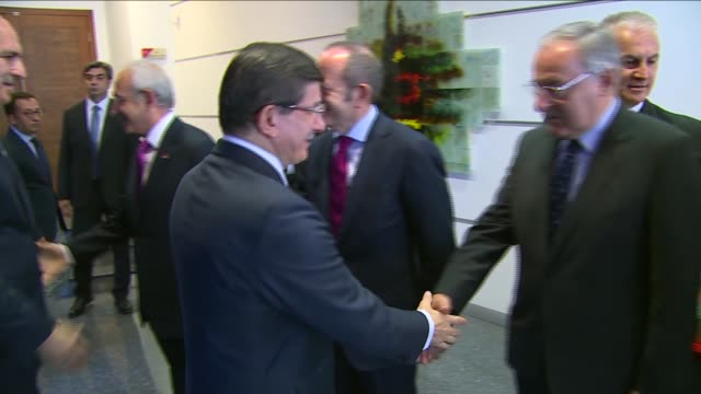 turkish prime minister and justice and development party leader, ahmet davutoglu meets with republican people's party leader kemal kilicdaroglu at... - primo ministro turco video stock e b–roll