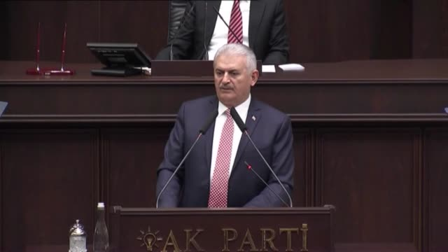 turkish prime minister and the leader of turkey's ruling party, the justice and development party binali yildirim makes a speech during the ak... - トルコ首相点の映像素材/bロール
