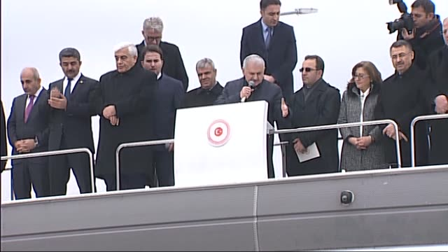 turkish prime minister binali yildirim addresses to refugees at oncupinar accommodation facility for syrian refugees in turkey's southeastern... - binali yildirim stock-videos und b-roll-filmmaterial