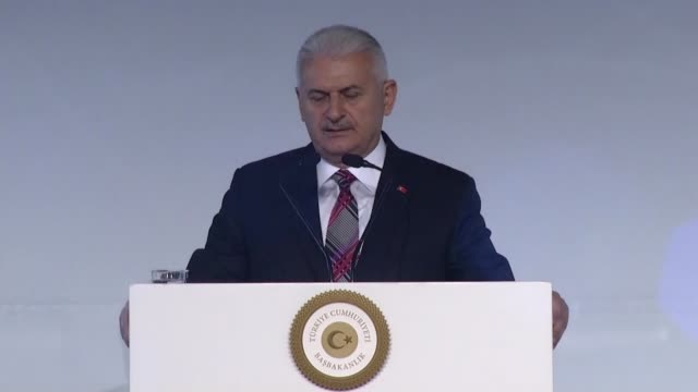 vídeos y material grabado en eventos de stock de turkish prime minister binali yildirim attends opening ceremony of 13th international defense industry fair in istanbul turkey on may 09 2017 he... - departamento de defensa