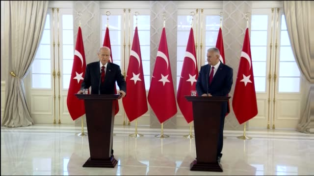 turkish prime minister binali yildirim holds a joint press conference with leader of the nationalist movement party, devlet bahceli in ankara, turkey... - primo ministro turco video stock e b–roll