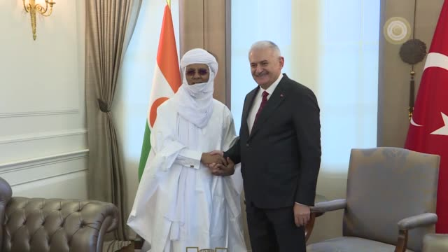 turkish prime minister binali yildirim meets with his nigerien counterpart brigi rafini in ankara turkey on january 24 2018 - türkischer premierminister stock-videos und b-roll-filmmaterial