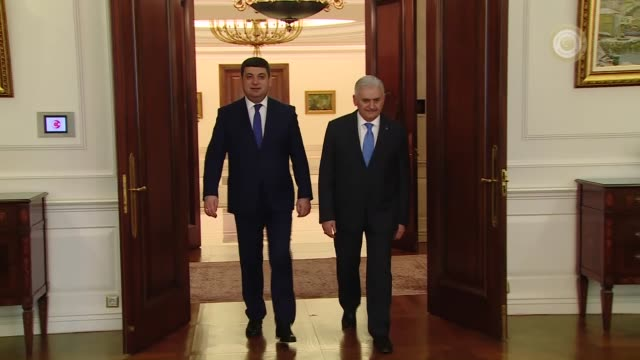 turkish prime minister binali yildirim meets with ukranian prime minister volodymyr groysman at cankaya palace in ankara turkey on march 14 2017 - türkischer premierminister stock-videos und b-roll-filmmaterial