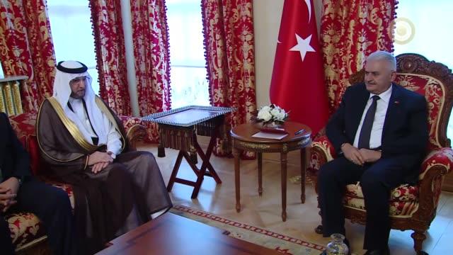 turkish prime minister binali yildirim meets with yousef bin ahmed al-othaimeen, secretary general of the organization of the islamic cooperation at... - トルコ首相点の映像素材/bロール