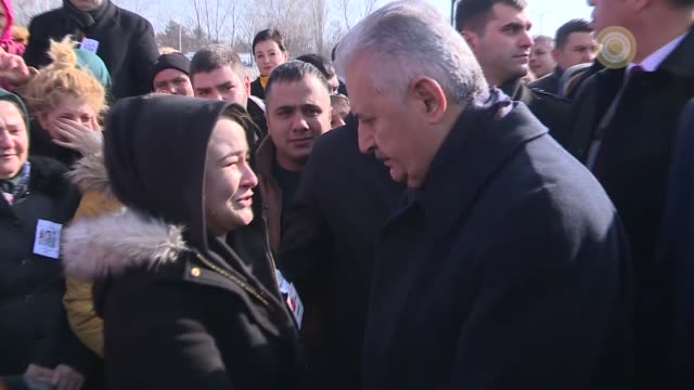 turkish prime minister binali yildirim offers his condolences to the family members of turkish soldier yunus emre duran who was martyred in a terror... - primo ministro turco video stock e b–roll